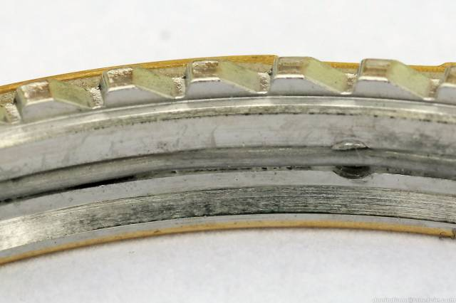 Chronomat bezel teeth (chronomat_bezel_inside.jpg)