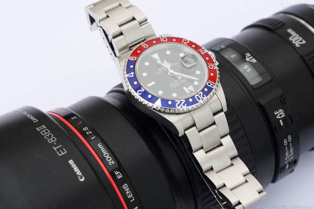 GMT Master on L (gmt-master_canon-l.jpg)
