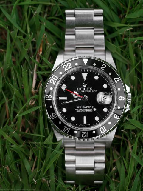 GMT Master II in grass (gmt_herbes.jpg)