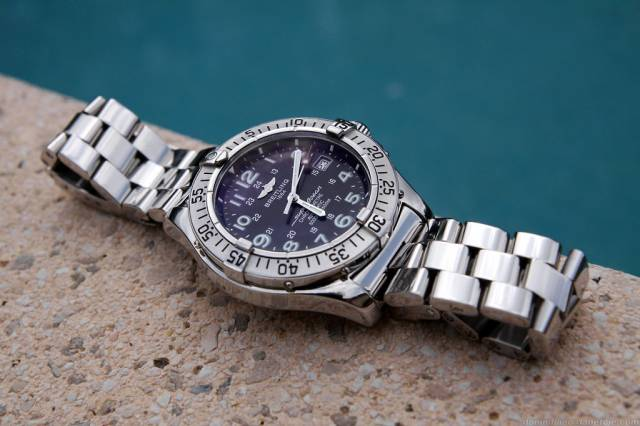 SuperOcean Pro2 by the pool (so_pro2_pool.jpg)