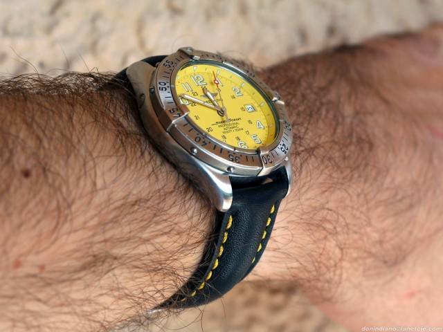 SOP black/yellow strap (sop_black_leather_wrist.jpg)