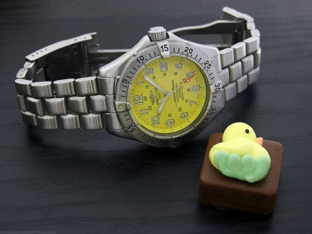 Yellow SuperOcean and chick chocolate (yellow_superocean+chick.jpg)